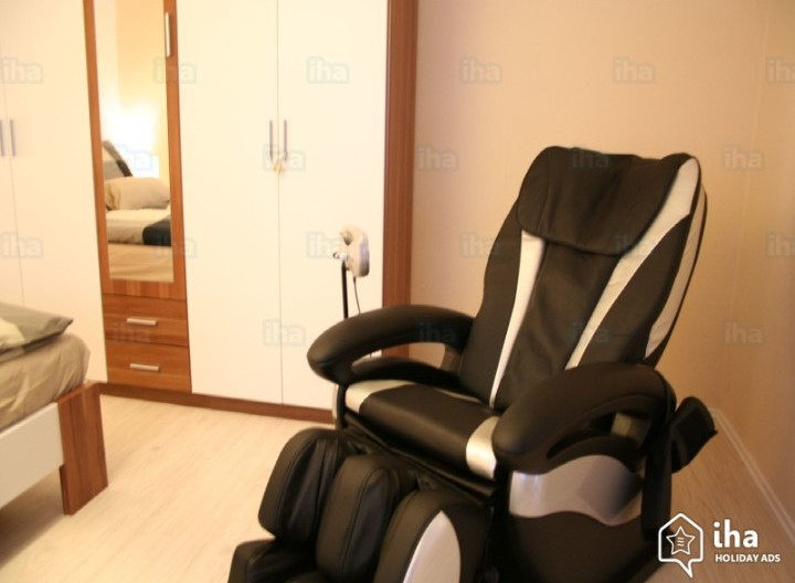 Ways in Which Massage Chairs Score Over Human Massage Therapists
