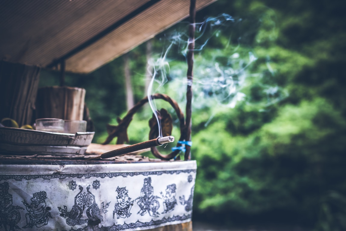 Health Benefits of Incense – What Aromatherapy Does to Our Body and Soul